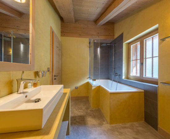 Bathroom 2 - With Bathtub - Chalet Altitude 1600