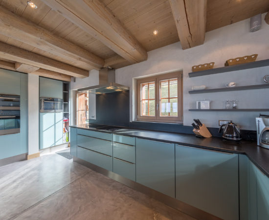 Semi Professional Kitchen - 2nd View - Chalet Altitude 1600