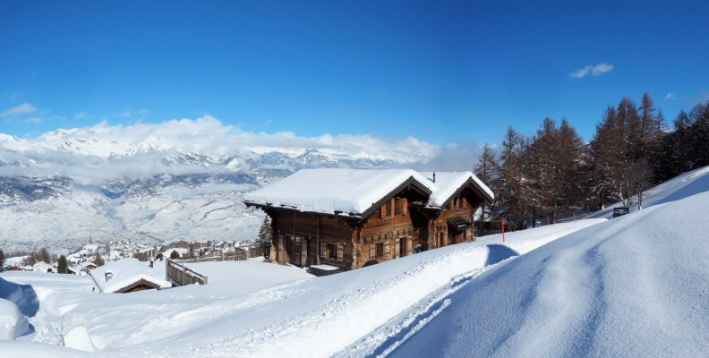 Chalet Altitude 1600 Exterior Winter